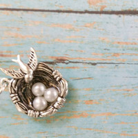 Bird's Nest Necklace / Mother's Day Jewelry / Silver Nest Necklace / Gifts for Mom / Mother of Three Jewelry / Pearl Necklace